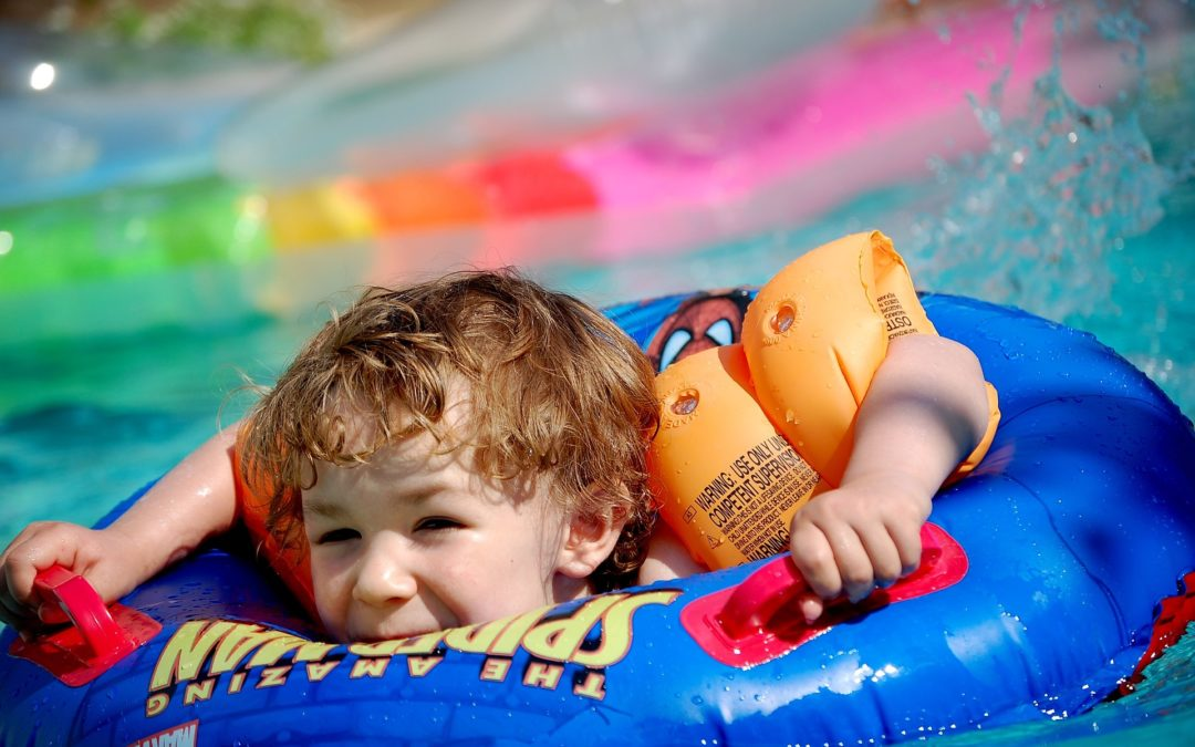 Bouée gonflable pour bébé : quel modèle choisir pour votre enfant ?